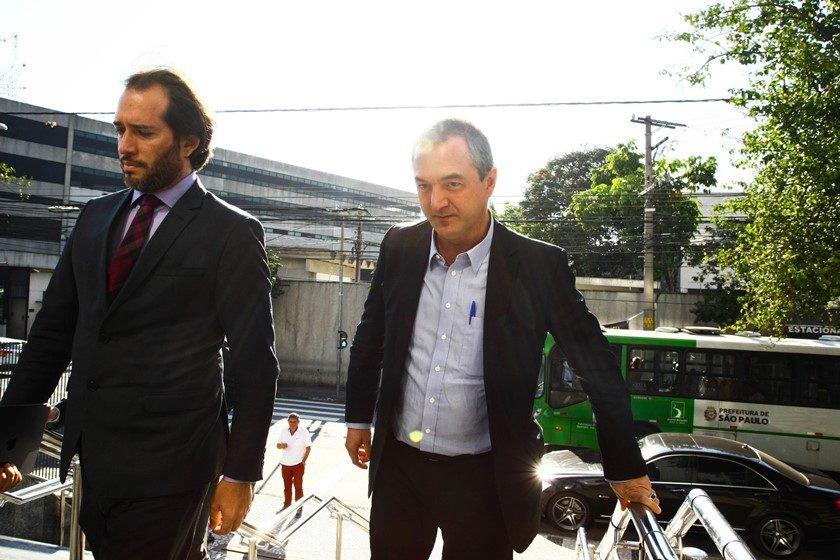 Wesley Batista chega à PF em São Paulo para prestar depoimento