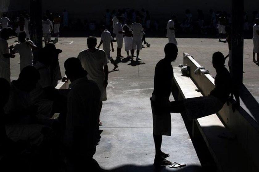 Resultado de imagem para saidão de presos brasilia df