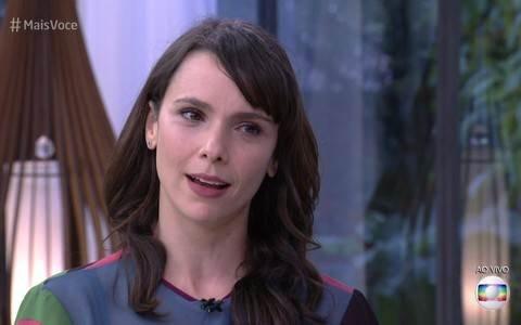 Ana Maria Braga chora ao vivo com apresentação de Alcione