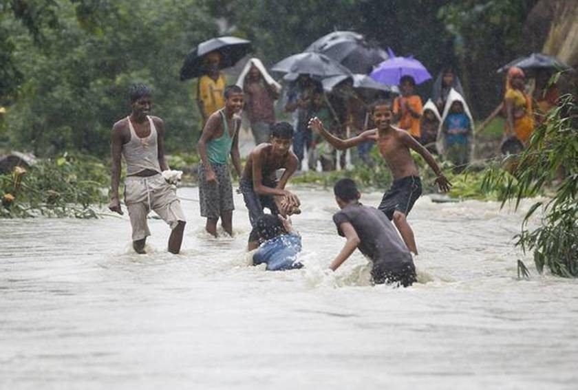 Tempestades e deslizamentos deixam ao menos 49 mortos no Nepal