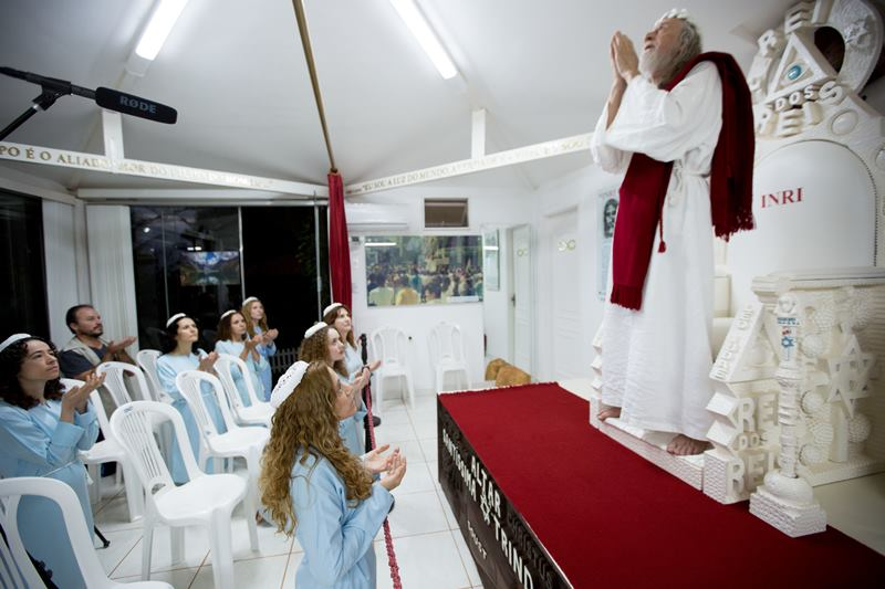 Inri-Cristo-e-suas-seguidoras-45.jpg