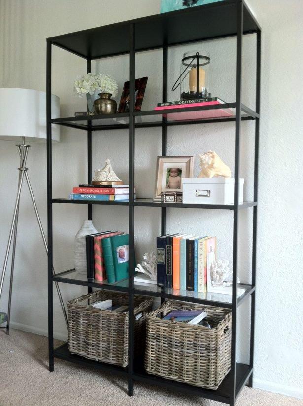 Estante com estrutura met lica o novo coringa do design for Ikea metal frame shelf