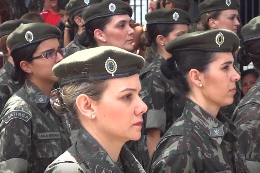 a8a76db3ed390 Exército brasileiro treina mulheres para o combate