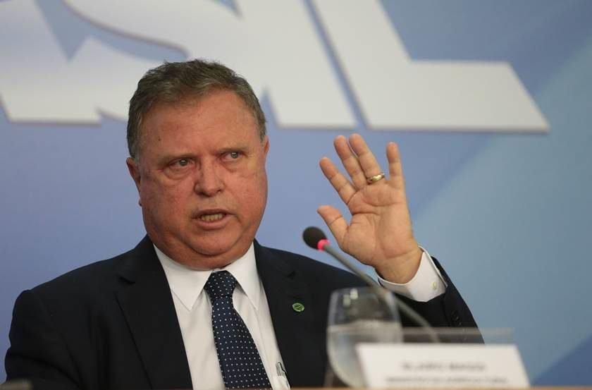 PF faz buscas em apartamento do ministro Blairo Maggi em Brasília