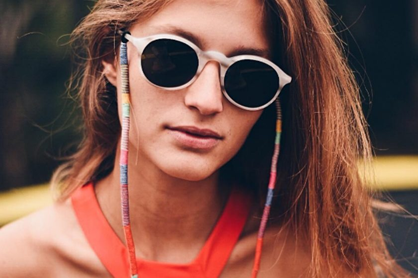 Cordinhas de óculos são moda no Instagram e aposta para verão 2018 f1519abc29