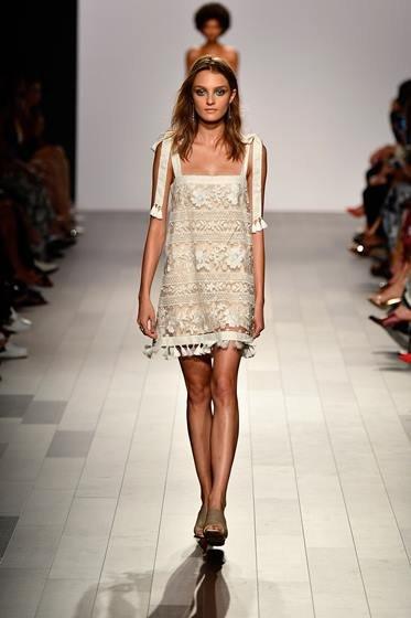 Tadashi Shoji - Runway - September 2017 - New York Fashion Week: The Shows