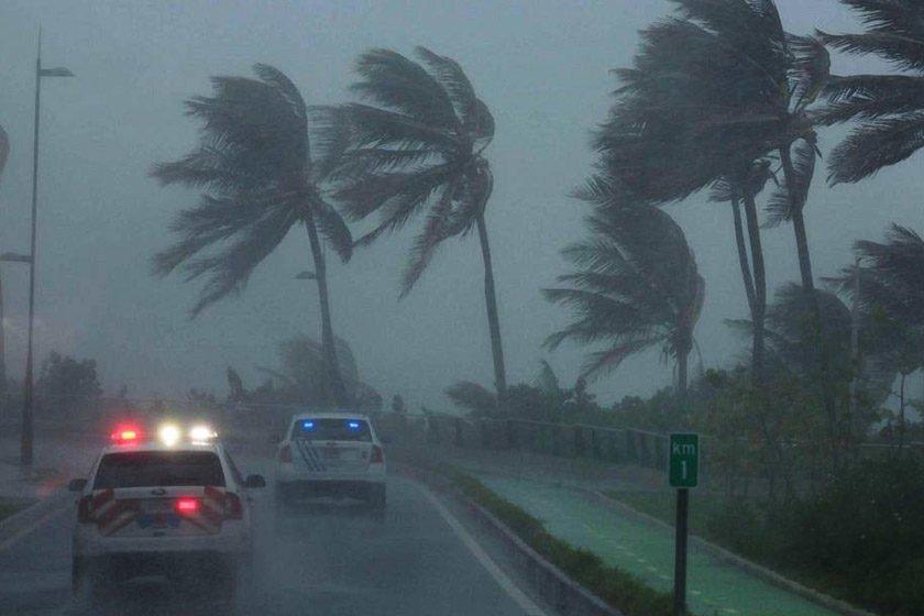 Furacão Irma atinge ilhas do Caribe e Flórida se prepara