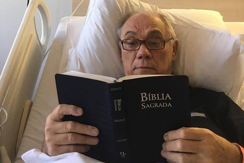 Com câncer, Marcelo Rezende é internado com pneumonia grave