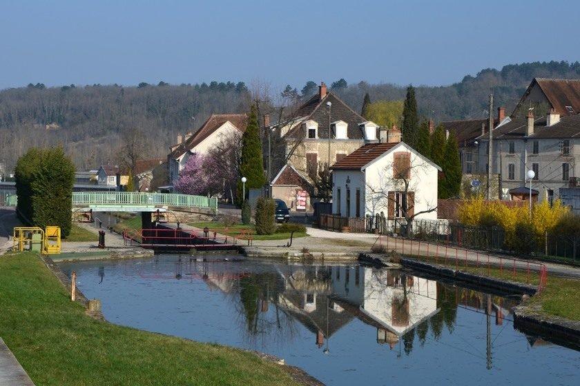 Homem atacou duas mulheres com martelo — França