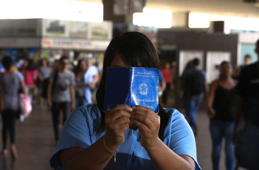 Informalidade foi o motor do emprego no país em 2017, aponta IBGE