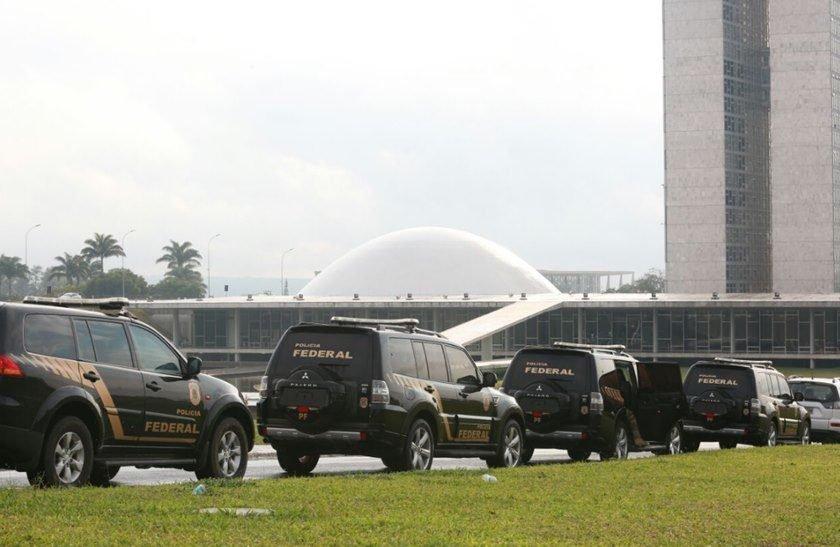 Policiais federais apreendem malote na casa de Lúcio Vieira Lima