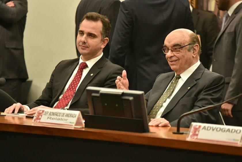 Temer usa Cunha ao se defender em carta de 'conspiração'