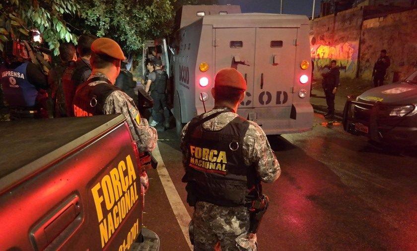 Lei transfere para Justiça Militar julgamento de crimes contra civis