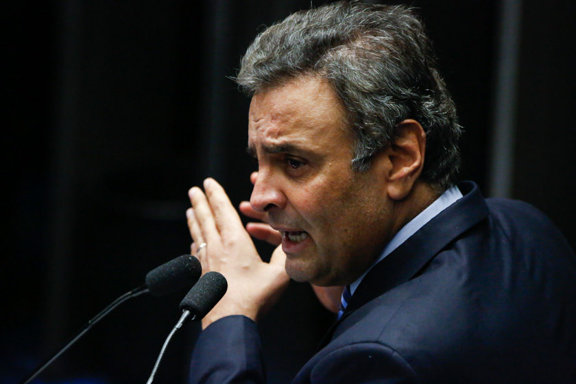 Gilmar Mendes e Aécio Neves batem papo no WhatsApp