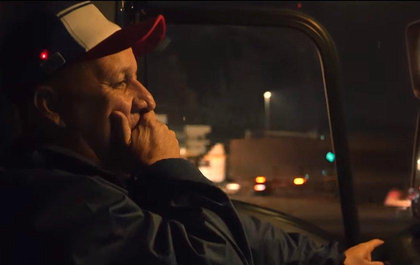 Ford cria boné que alerta caminhoneiros sonolentos ao volante b1e13195ff7