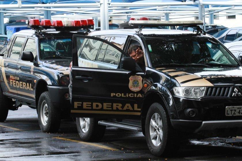 Prefeitos de Eunápolis e Porto Seguro se apresentam à Polícia Federal
