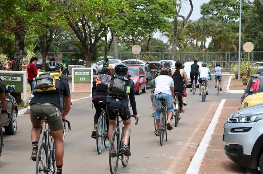 Ciclistas no velório