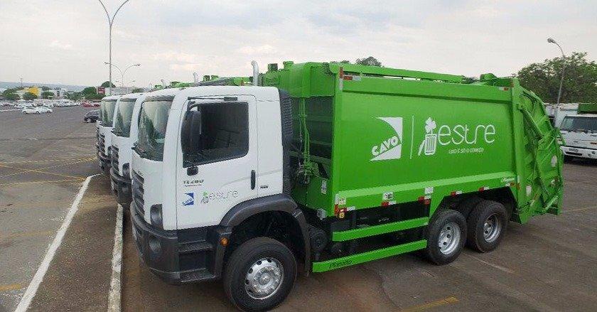 caminhões de lixo cavo