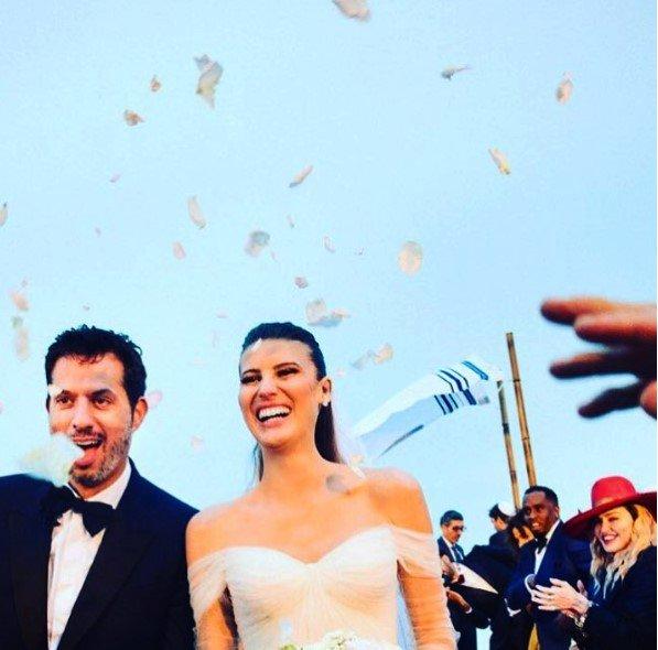 06ea6e1c56f Michelle e Guy se casaram aos pés do Cristo Redentor. A festa aconteceu na  casa de Luciano Huck e Angêlicamore