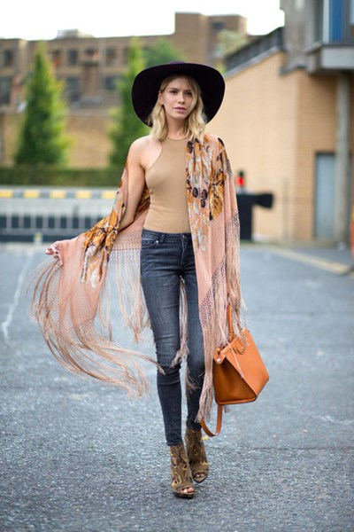 54bc1c77681e3_-_hbz-lfw-ss2015-street-style-day3-01-lg-1