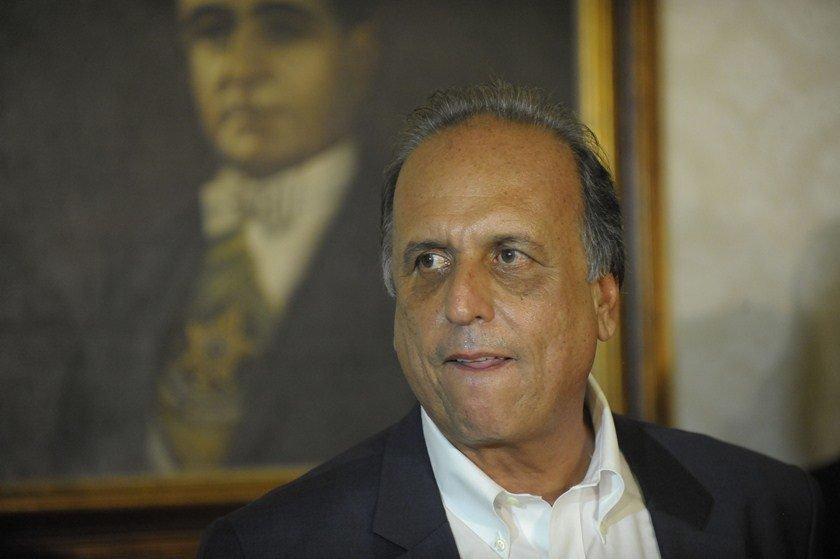 Marqueteiro pagava mesada a irmão e assessores de Cabral