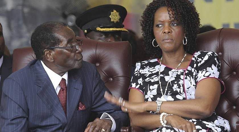 Zimbábue. Mugabe aparece em público pela primeira vez desde golpe militar