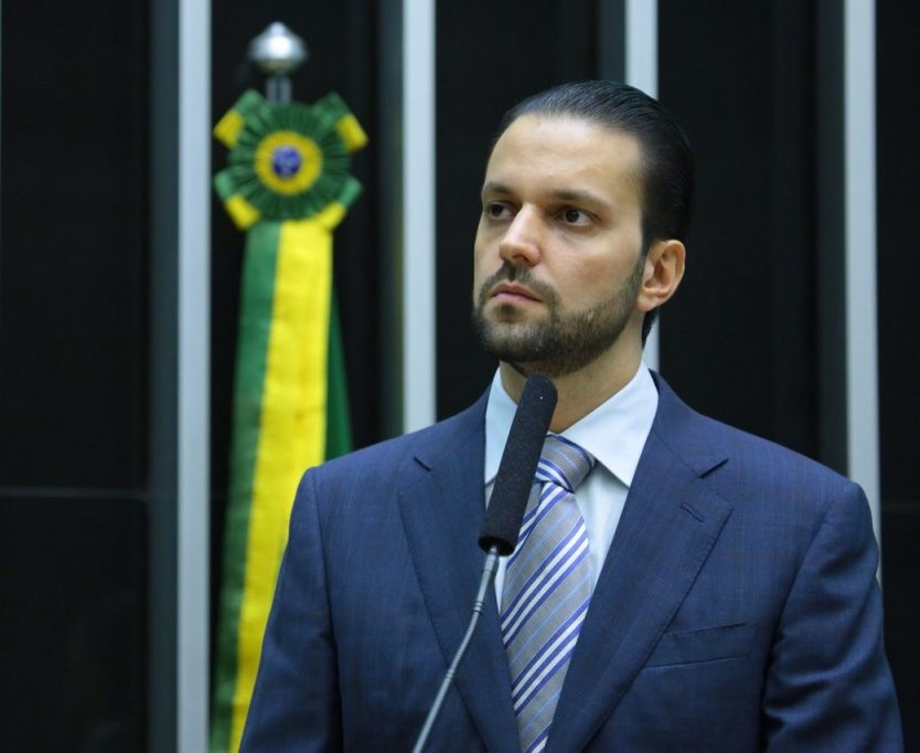 Procuradoria revela propinas de R$ 900 mil para secretário da ...