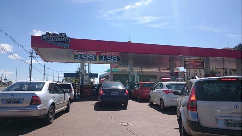 Preço da gasolina volta a subir nos postos de combustíveis da RMR