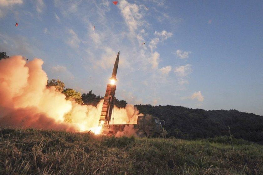 Coreia do Norte faz novo teste com míssil balístico