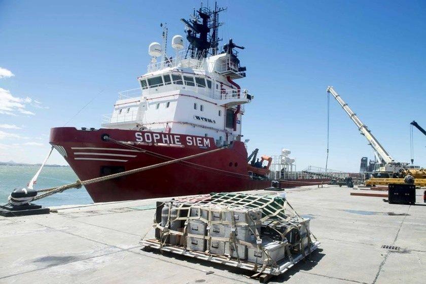 Comandante da marinha argentina mantém esperanças de encontrar submarino