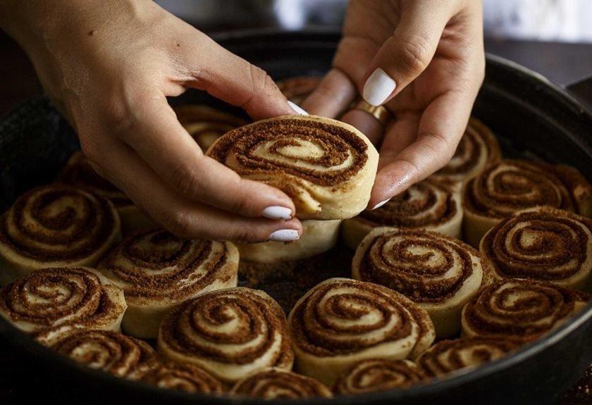 Resultado de imagem para cinnamon roll o que é?