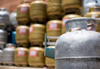 Resultado de imagem para Gás para comércio e indústria é reajustado em 6% nas refinarias