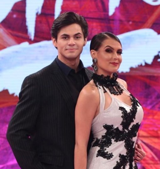 Ao vivo, ator Lucas Veloso pede bailarina do Faustão em namoro