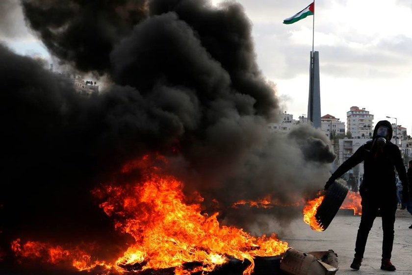 Israel volta a bombardear posições do Hamas em Gaza