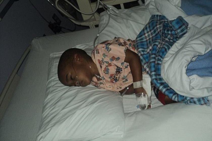Mãe inventa câncer e filho faz 13 cirurgias desnecessárias