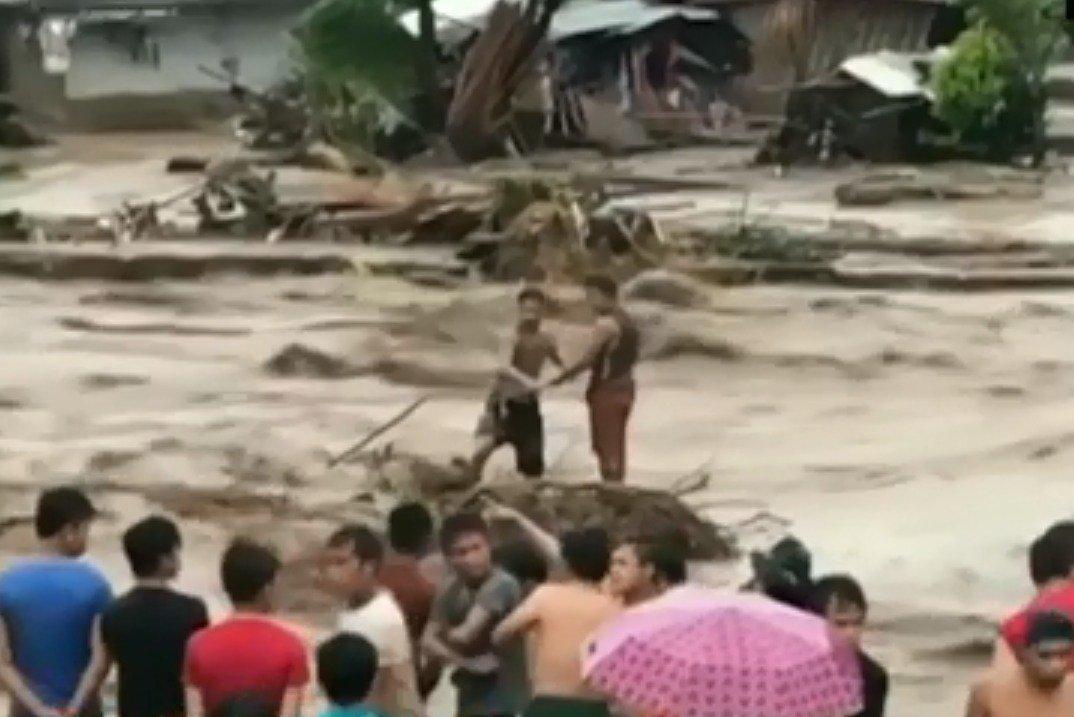 Tempestade tropical deixa mais de 100 mortos — Filipinas