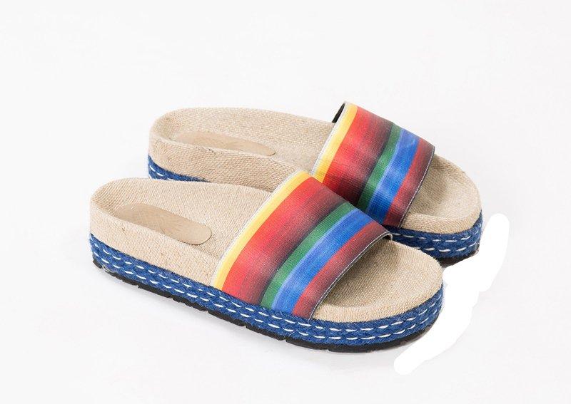 FARM sandália de R$ 379 por R$ 189