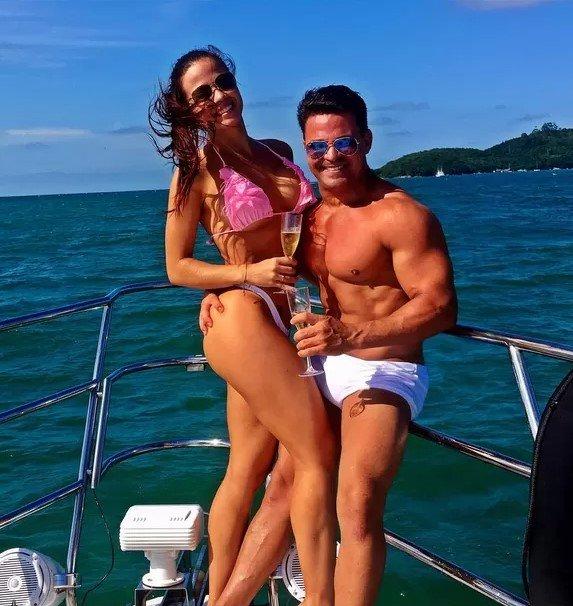 Eduardo Costa e Victoria Villarim