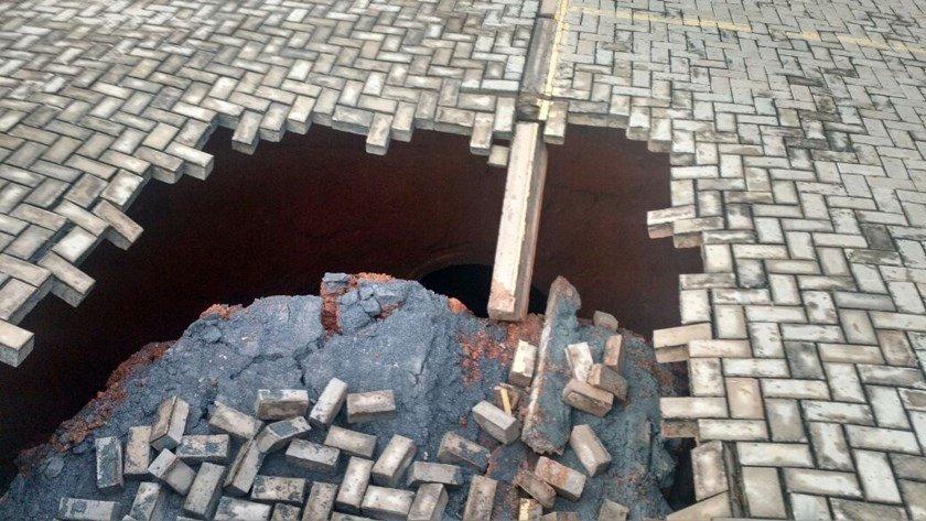 cratera buraco setor de embaixadas sul