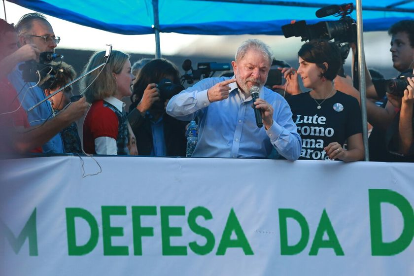 Lula discursa POA