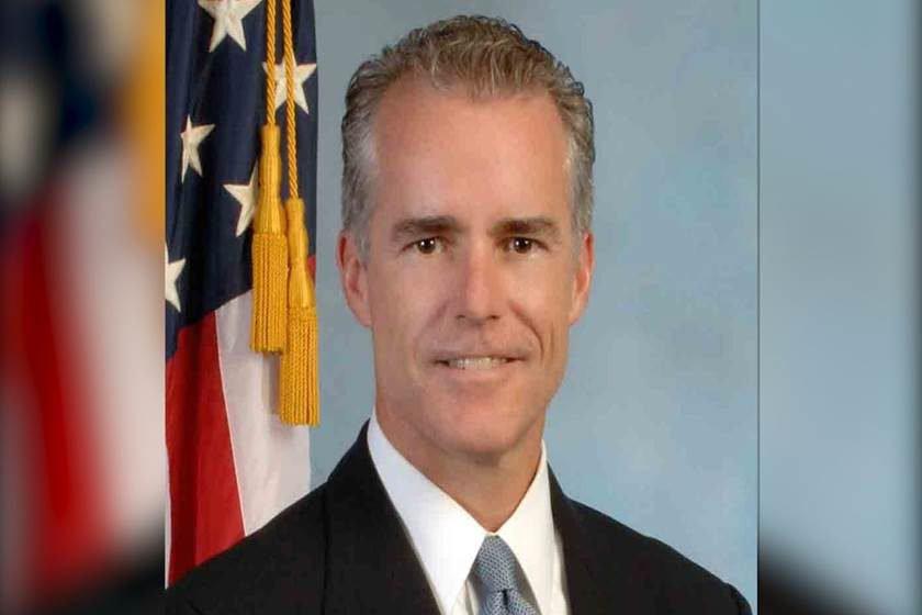 Vice-diretor do FBI pede demissão após ataques de Trump, diz site