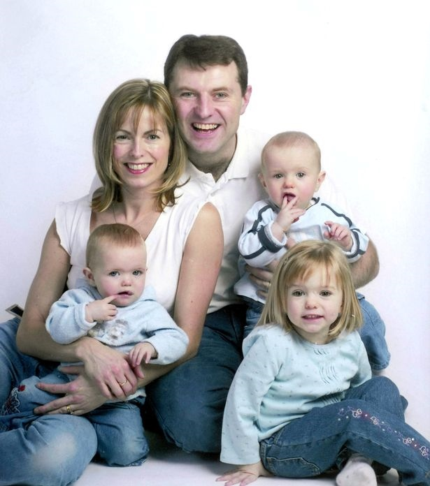 Madeleine-McCann-with-her-parents-and-twin-siblings