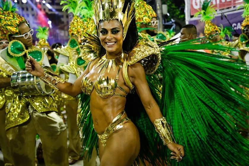 Atriz Juliana Paes é assaltada a caminho da Sapucaí