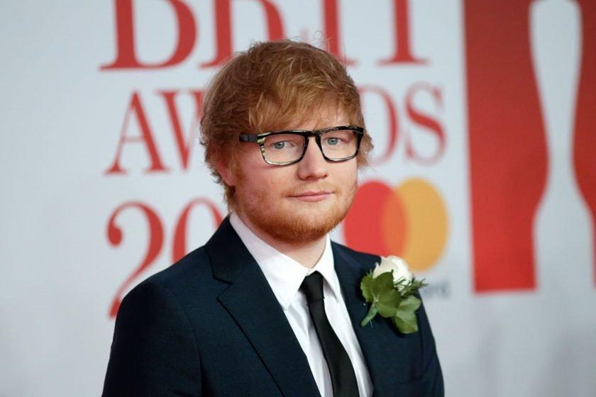 Ed Sheeran casou? Cantor explica anel que usou no BRIT Awards