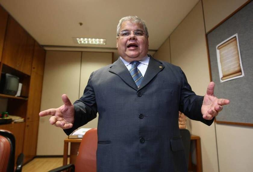 Conselho de Ética aprova relatório preliminar contra Maluf e Lúcio