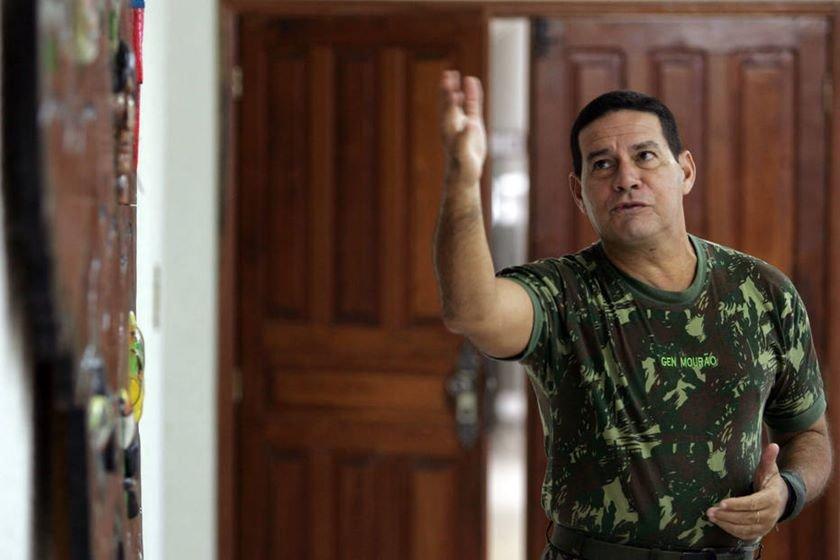 BB F1 SÃO GABRIEL DA CACHOEIRA - AM 22/08/2006 - ESPECIAL DOMINICAL/ FRONTEIRAS BRASIL -  NACIONAL - Matéria especial sobre as fronteiras do País. Material produzido na fronteira do Brasil com a Venezuela e Colômbia.  NA FOTO.:  Entrevista com comandante