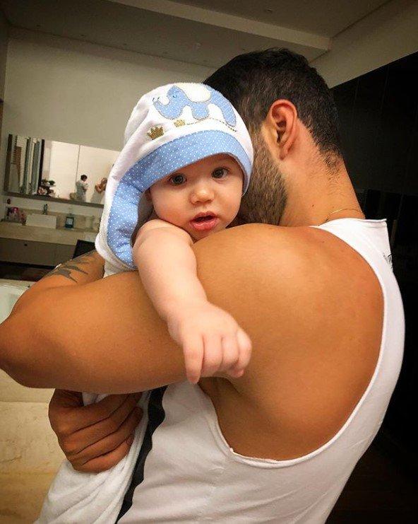Gusttavo Lima e filho