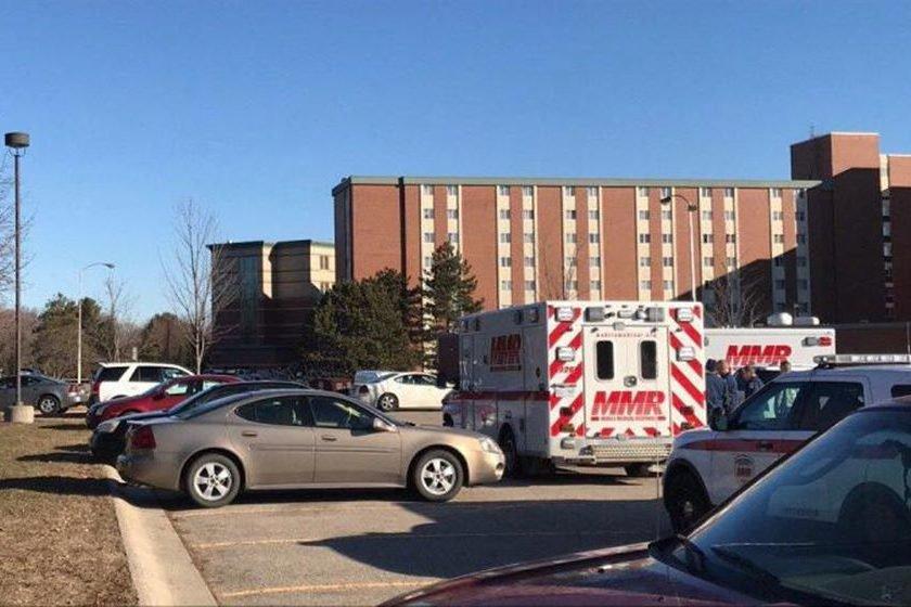 Polícia prende atirador que matou os próprios pais na universidade de Michigan
