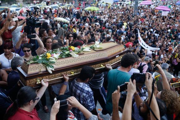 enterro-marielle1
