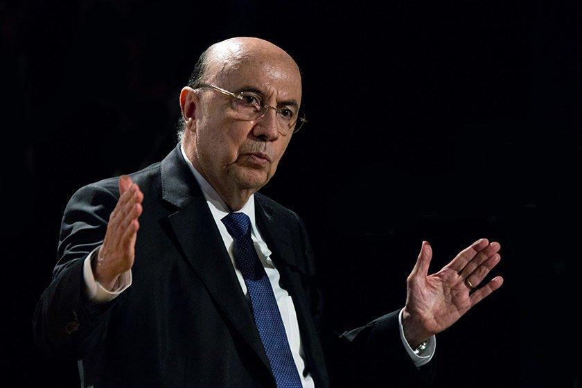 Não haverá mudança na política de preços da Petrobras, diz Meirelles